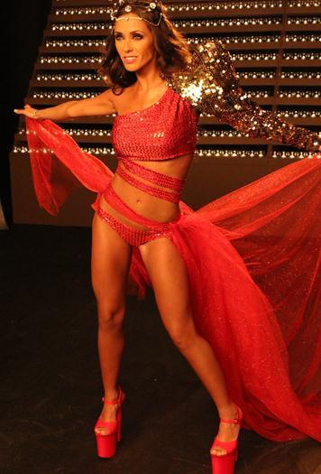 Anahi+En+Bikini+Rojo+voyeurmix.net