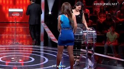 Ana.Belena.Falda.Azul.Entallada.Marcando.Qlito.HDTV.mp4_snapshot_01.23_[2015.06.10_23.52.20]