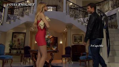 Eiza.Gonzales.Vestido.Rojo.Entallado.HDTV.mp4_snapshot_00.19_[2017.06.19_01.48.03]