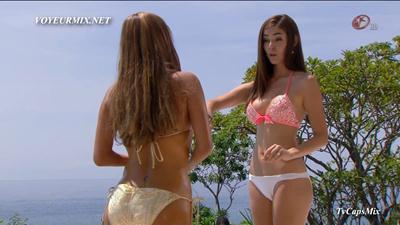 Carla.Cardona.Florencia.De.Saracho.Bikinis.HDTV.mp4_snapshot_02.15_[2017.07.11_17.30.56]