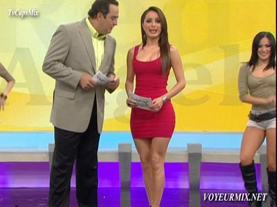 Cynthia.Rodríguez.Microvstido.Rojo.Qlazo.De.Perfil.HDTV.mp4_snapshot_00.13_[2015.05.19_21.19.52]