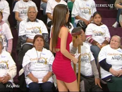 Cynthia.Rodríguez.Microvstido.Rojo.Qlazo.De.Perfil.HDTV.mp4_snapshot_01.56_[2015.05.19_21.22.30]