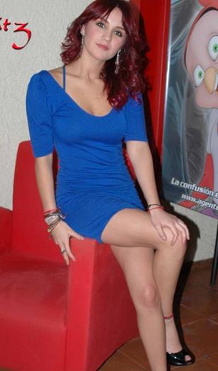 Dulce+Maria+Sexy+Vestido+Azul+Voyeurmix.net