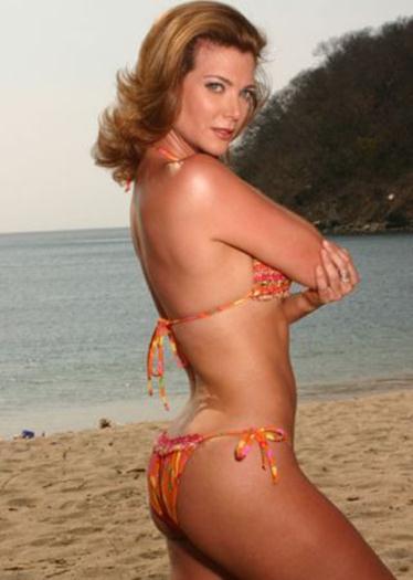 Katie barberi en bikini
