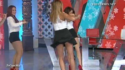 Ballet.VLA.Cortes.Jenny.Descuidos.HDTV.mp4_snapshot_01.56_[2015.01.08_00.25.53]