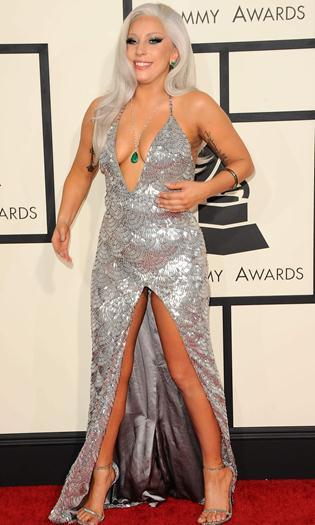 Lady+Gaga+Tetona+y+Upskirt+En+Los+Grammys+2015+VOYEURMIX.NET
