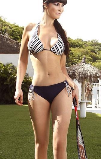 Leia+Freitas+Sabrosa+En+Nuevos+Bikinis+2015+voyeurmix.net