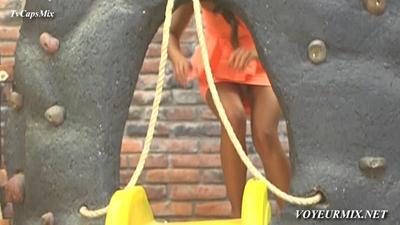 Marijo.Castro.Minifalda.Upskirt.Bikini.HDTV.mp4_snapshot_00.18_[2015.02.06_02.37.39]