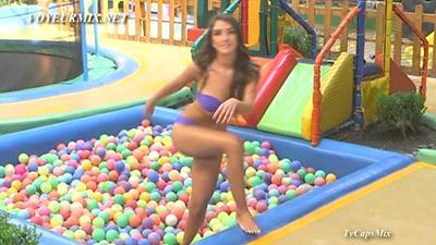 Marijo.Castro.Minifalda.Upskirt.Bikini.HDTV.mp4_snapshot_01.05_[2015.02.06_02.39.34]