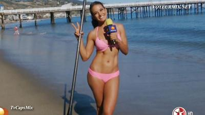 Gina.Holguin.Super.Sabrosa.En.Bikini.HDTV.mp4_snapshot_02.39_[2015.03.28_14.07.24]