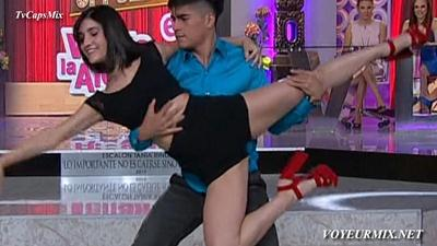 Karina.Sanchez.Piernotas.Prueba.De.Baile.HDTV.mp4_snapshot_00.14_[2015.04.14_00.09.54]