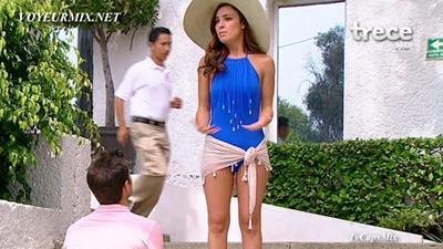 Mariana.Torres.y.Marcela.Guirado.Bikinis.HDTV.mp4_snapshot_01.17_[2015.04.25_01.05.26]