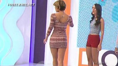 Regina.y.Marijo.Hot.Piernotas.HDTV.mp4_snapshot_01.03_[2015.04.25_00.24.18]