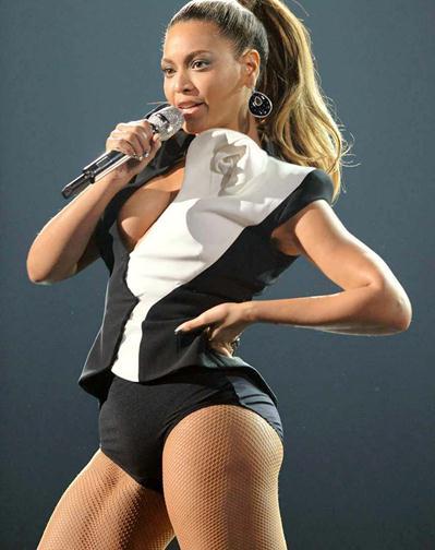 Beyonce+Tremendas+Piernas+Cantando