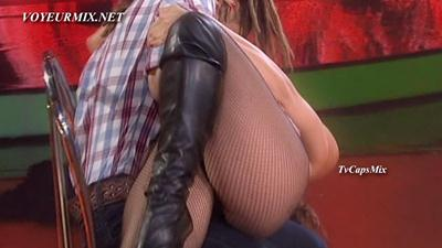 Cecilia.Pineiro.Qlazo.Bailando.HDTV.mp4_snapshot_00.19_[2015.05.17_00.25.35]
