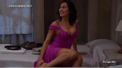 Esmeralda.Pimentel.Sexy.Vestido.Tetona.HDTV.mp4_snapshot_02.18_[2015.05.31_00.39.39]