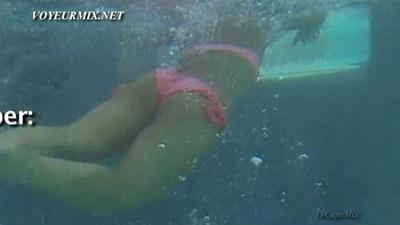 Regina Murguia.Sexy.En.Bikini.HDTV.mp4_snapshot_01.08_[2015.05.23_03.18.39]