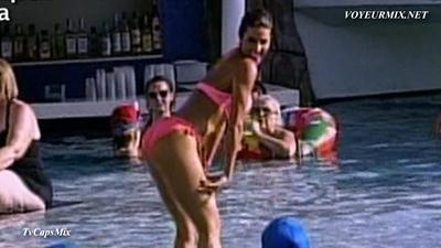 Regina Murguia.Sexy.En.Bikini.HDTV.mp4_snapshot_01.34_[2015.05.23_03.19.42]