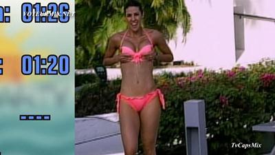 Regina Murguia.Sexy.En.Bikini.HDTV.mp4_snapshot_02.20_[2015.05.23_03.21.28]