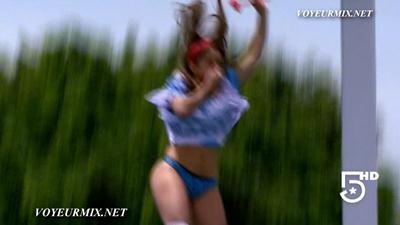 Samadhi.Zendejas.Rica.En.Bikini.Extras.HDTV.mp4_snapshot_00.58_[2015.05.31_00.03.34]