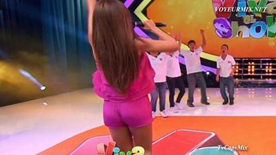 Cynthia.Rodriguez.Alex.Garza.Piernotas.Qlitos.HDTV.mp4_snapshot_01.01_[2015.06.21_01.29.21]