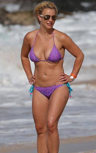 Britney+Spears+Buenisima+Nuevas+Fotos+En+Bikini+Julio+2015