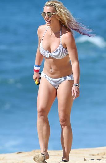 Britney+Spears+Otro+Bikini+En+Hawai+Julio+2015