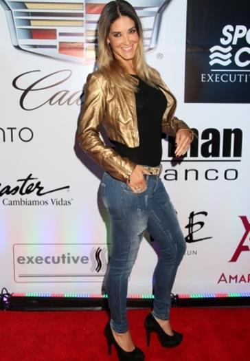 Tania+Riquenes+Sabrosa+En+Evento+Sport+City+Voyeurmix.net