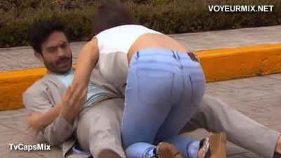 Camila.Sodi.Mega.Qlote.En.Panto.Entallado.HDTV.mp4_snapshot_00.46_[2015.08.31_14.30.34]