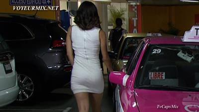 Esmeralda.Pimentel.Minivestido.Topless.HDTV.mp4_snapshot_00.37_[2015.08.08_02.21.47]