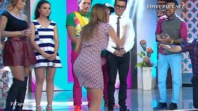 Ingrid.Coronado.Rebotando.Tetas.Qlazo.Marcado.HDTV.mp4_snapshot_02.01_[2015.08.04_01.13.08]