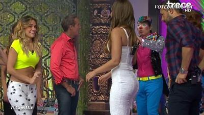 Jenny.Garcia.y.Vanessa.Claudio.Qlazos.HDTV.mp4_snapshot_00.43_[2015.08.10_00.08.23]