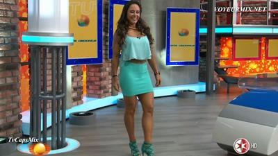 Nahima.Choura.Y.Rebeca.Rubio.Minis.HDTV.mp4_snapshot_01.25_[2015.08.23_00.02.57]
