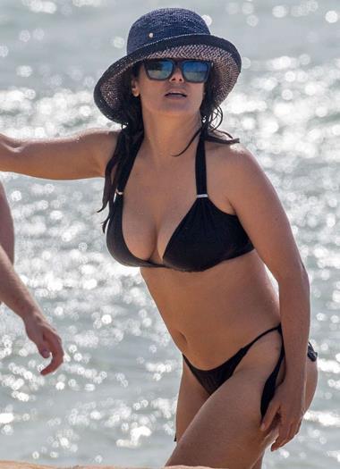 Salma-Hayek-in-Black-Bikini--03