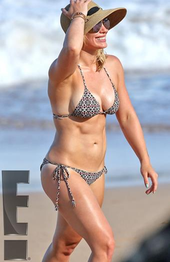 Hilary+Duff´+En+Bikini+en+Hawaii+Sep+2015