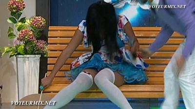 Maria.Jose.Rosado.Microvestido.Upskirt.HDTV.mp4_snapshot_00.05_[2015.09.19_20.19.32]