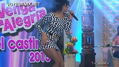 Maria.Jose.Rosado.Vestido.Entallado.Qlona.Rica.HDTV.mp4_snapshot_01.14_[2015.09.10_02.53.21]