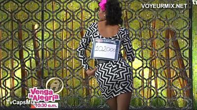 Maria.Jose.Rosado.Vestido.Entallado.Qlona.Rica.HDTV.mp4_snapshot_02.01_[2015.09.10_02.54.36]