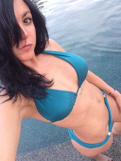 Vanessa+Kobi+La+Britni+En+Bikini+2015+voyeurmix.net