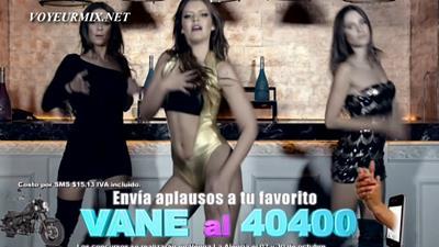 Vanessa.Claudio.Hot.En.Video.Musical.HDTV.mp4_snapshot_01.13_[2015.09.27_00.28.40]