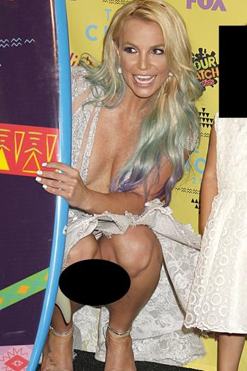 Britney+Spears+Super+Upskirt+En+Kids +Awards+Sin+Censura