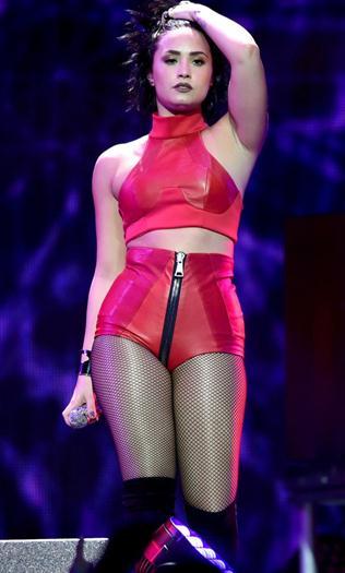 Demi+Lovato+Hot+En+Jingle+Ball+2015+Dec+2015