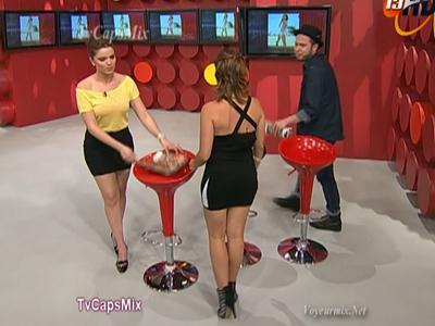 Thalí.y.Tabata.Jalil.Minifaldas.Modelando.Qlitos.HDTV.mp4_snapshot_01.26_[2017.05.31_15.08.25]