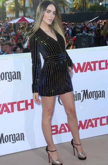 belinda-sexy-minivestido-en-premiere-de-baywatch-voyeurmix.net