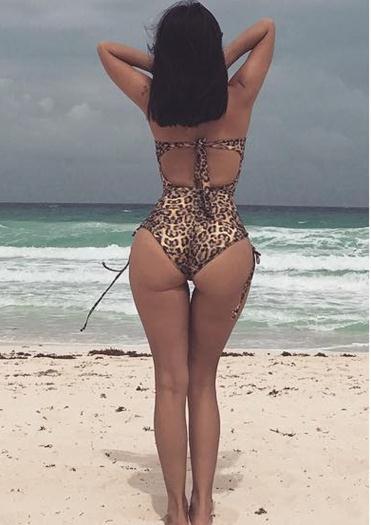 jimena-sanchez-muy-rica-en-traje-bano-y-bikini-Voyeurmix.net
