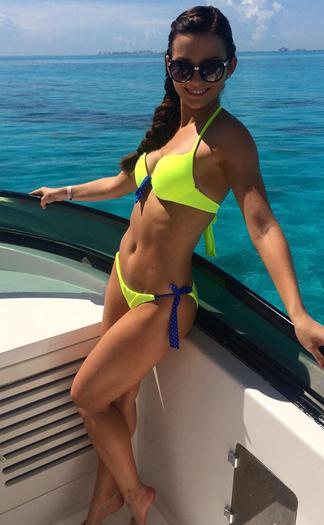 Irina+Baeva+Rica+En+Bikini